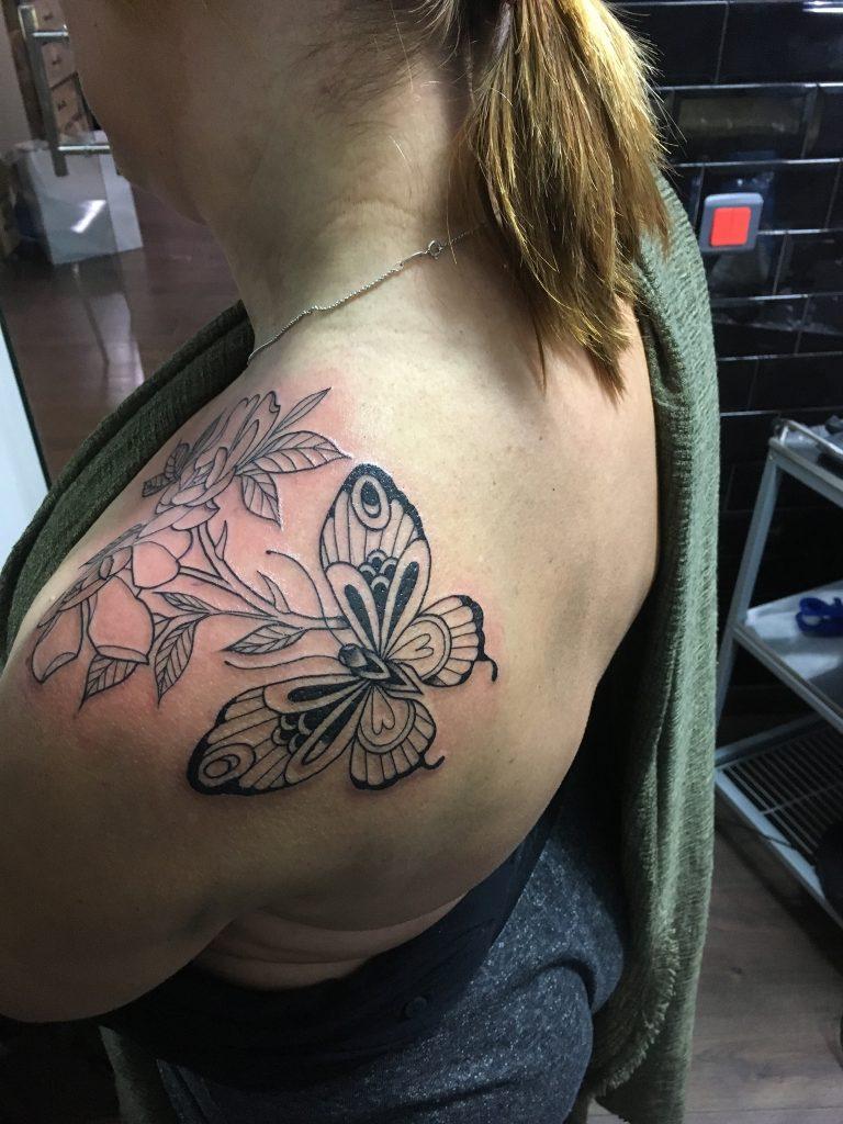 Tatouage contours