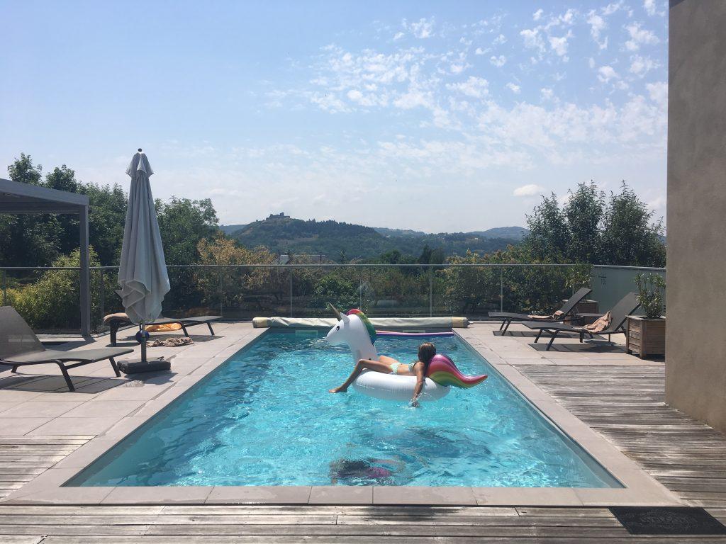 Aveyron en famille - Piscine des villas Labro
