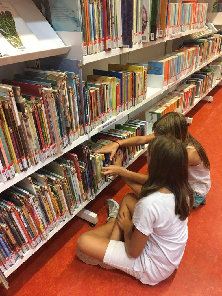 3 cartes indispensables pour les enfants à Barcelone. Bibliothèque Barcelone