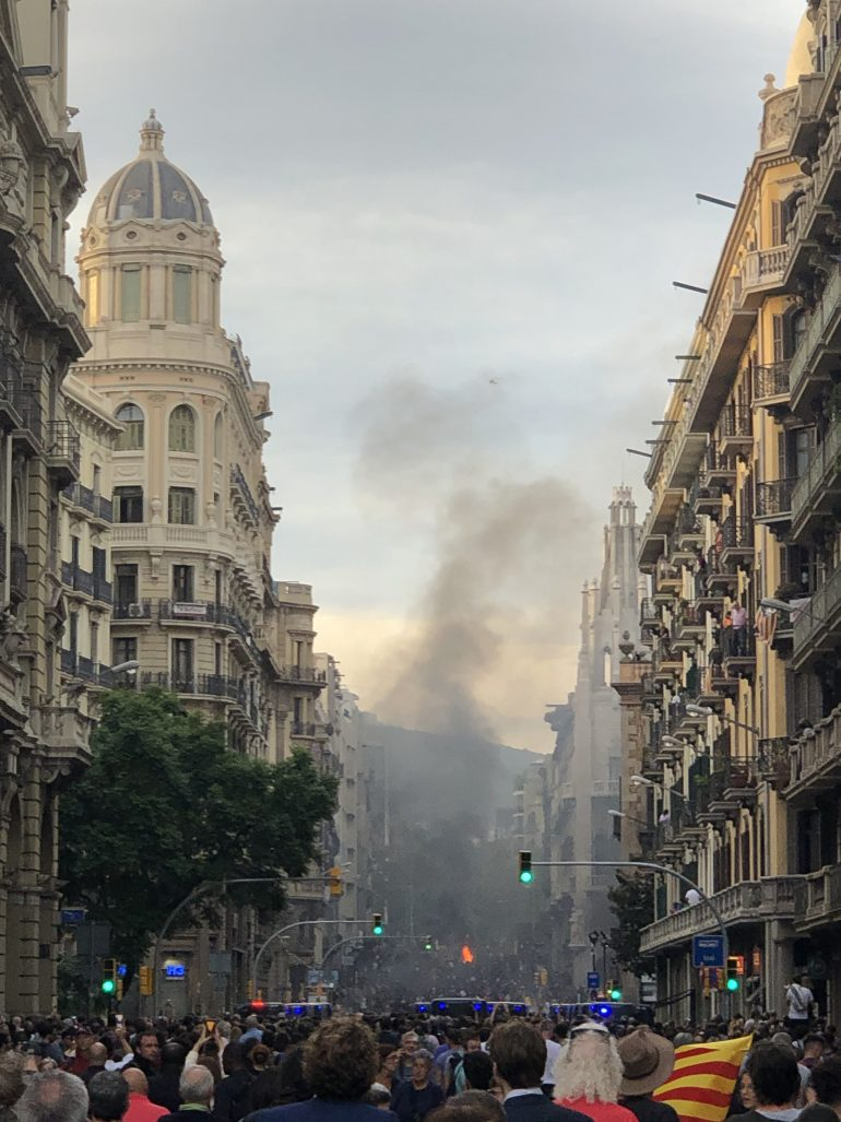 Barcelone brûle t'il ? Manifestations à Barcelone