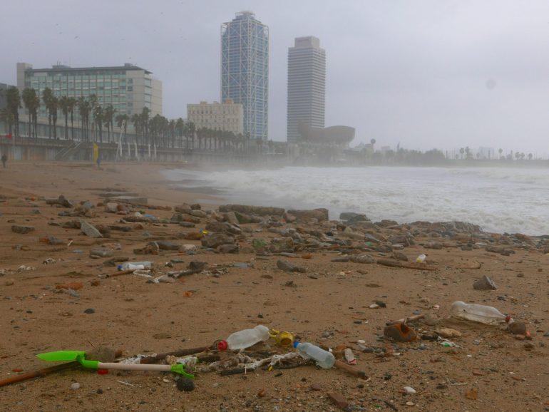 Tempête Gloria : la mer rejette nos déchets