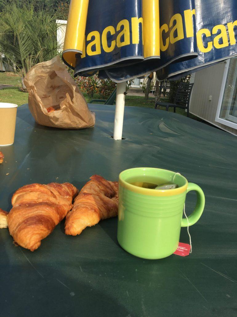 Petit déjeuner au camping